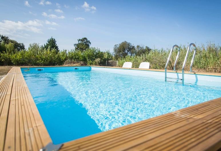 Casinha Trivetia- Cozy Design Beach House, Odemira, حمام سباحة