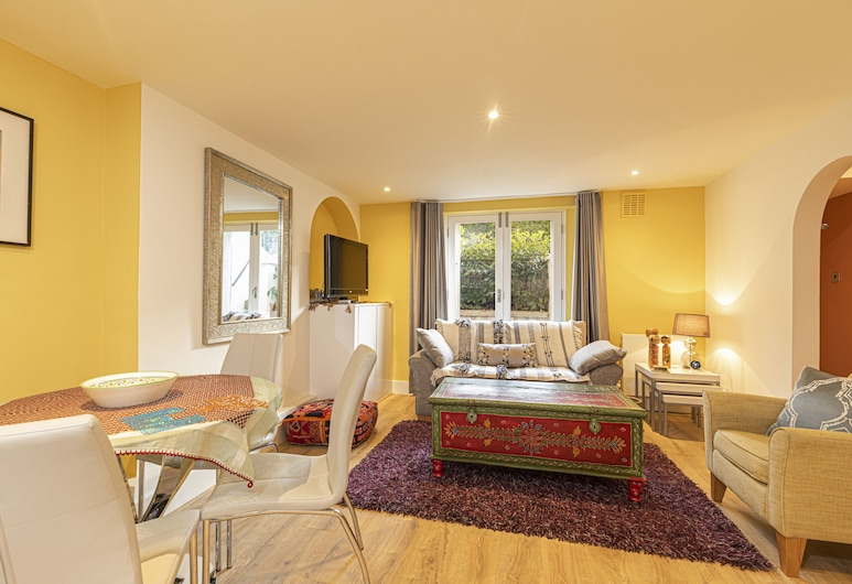 Charming 2 bed With Garden in Notting Hill, Londýn