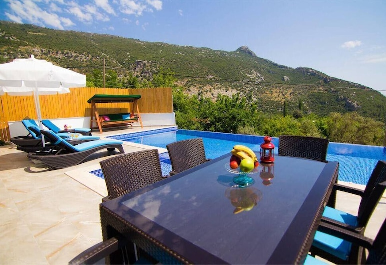Lizza Villa With Jacuzzi And Private Pool, Kas, Балкон