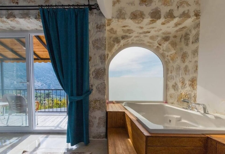 Lizza Villa With Jacuzzi And Private Pool, Kas
