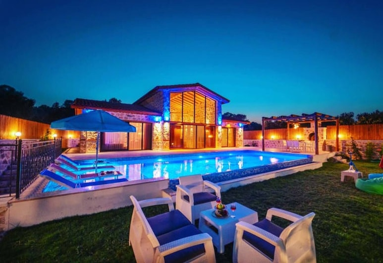 Dolfin Villa With Jacuzzi And Private Pool, Kas