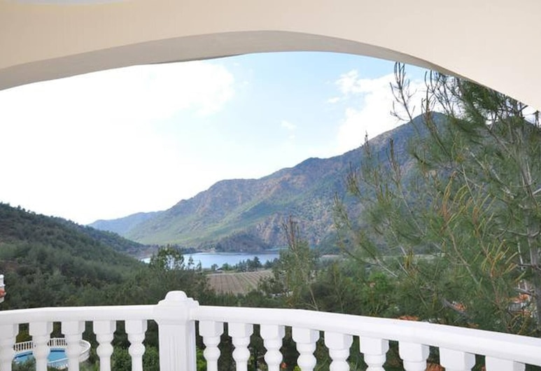 Shark Villa With Amazing Lake View And Pool, Dalaman, Balkon