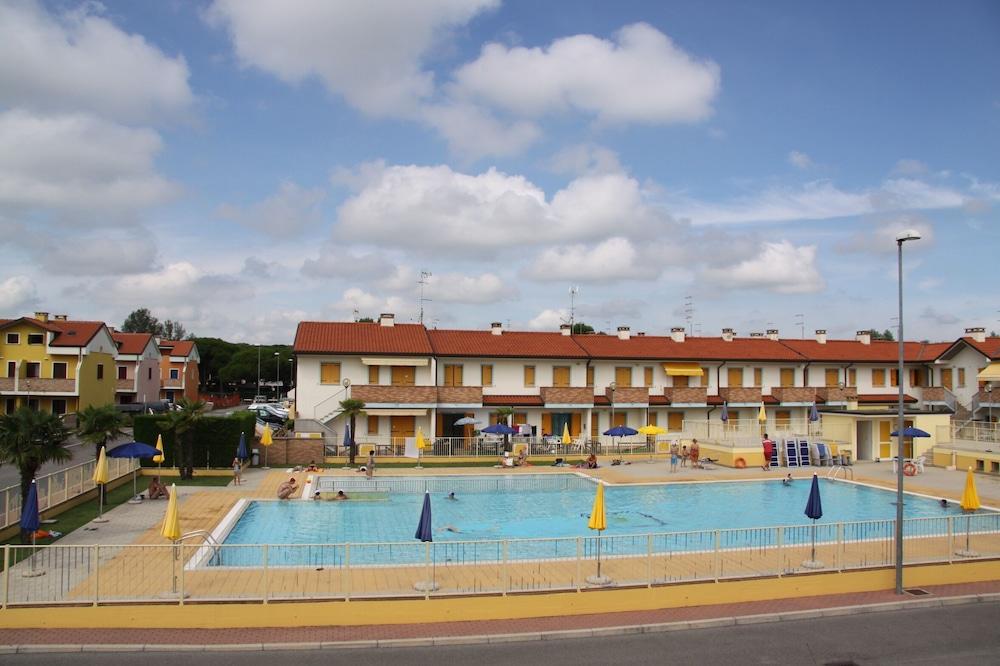 Appartamento con due Camere in Residence con Piscina a Rosolina Mare, Rosolina