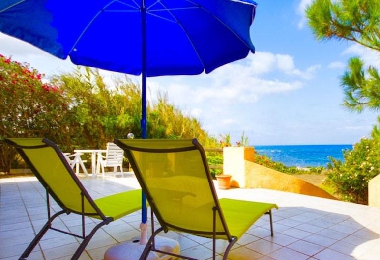 Villa Riva Mare Sorso for 6 People With Garden and Veranda Overlooking the sea, Sorso, Balcon