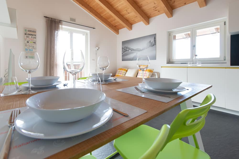 Apartment, 2Schlafzimmer, Balkon, Bergblick - Essbereich im Zimmer
