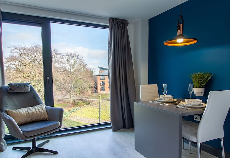 33 Parkside Coventry by Paymán Club, Coventry, Studiosuite – deluxe, Oppholdsområde