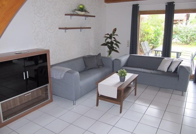 Buchenweg 20a, Isenbuttel, Basic House, Living Room