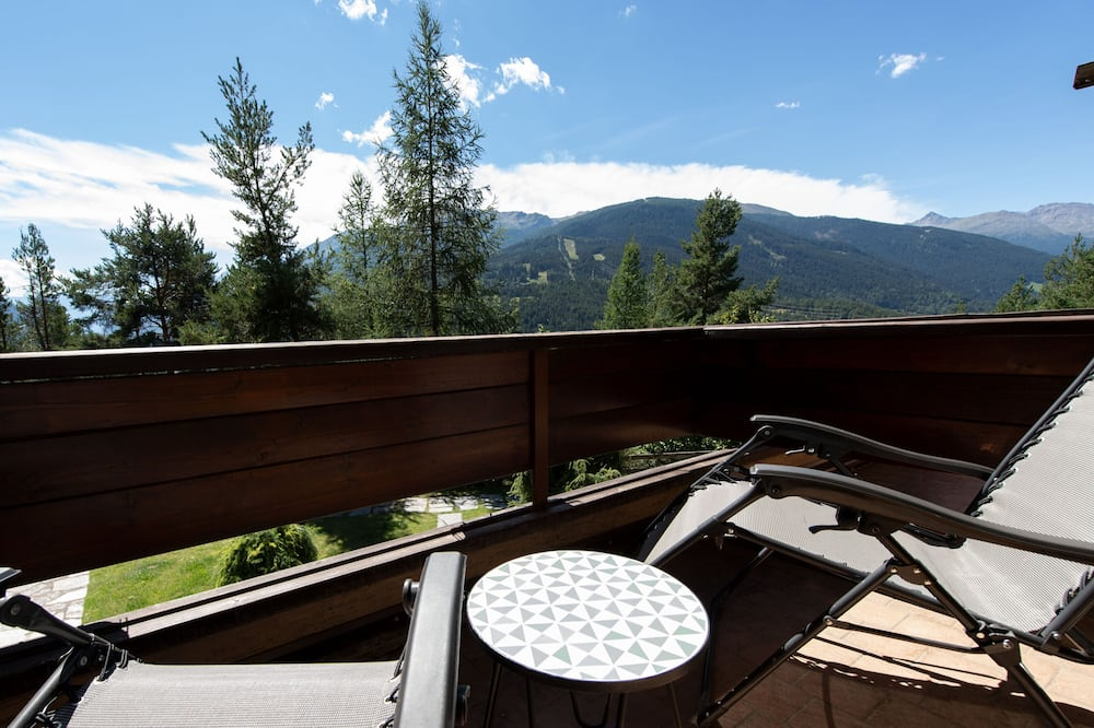 Apartmán, více lůžek, balkon, výhled na hory - Balkón