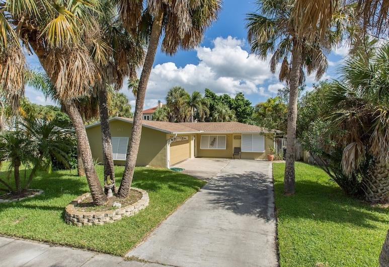 Turtle Island Beach House 3 Bedroom Home, Clearwater Beach, House, 3 Bedrooms, Guest Room View