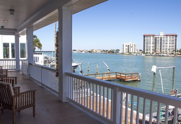Clearly Beautiful Beach House 4 Bedroom Home, Clearwater Beach, Коттедж, 4 спальни, Балкон