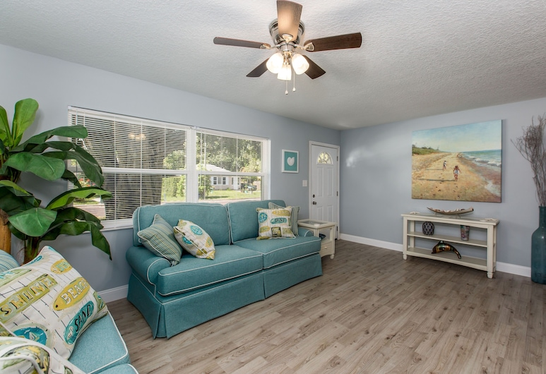 A Place In The Sun - Suite 432 - 3 Month Minimum Studio Bedroom Apts, 丹尼丁, 開放式客房, 客廳