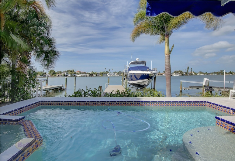Water Lover's Paradise - Weekly Rental 2 Bedroom Home, Indian Rocks Beach, Casa, 2 Quartos, Piscina