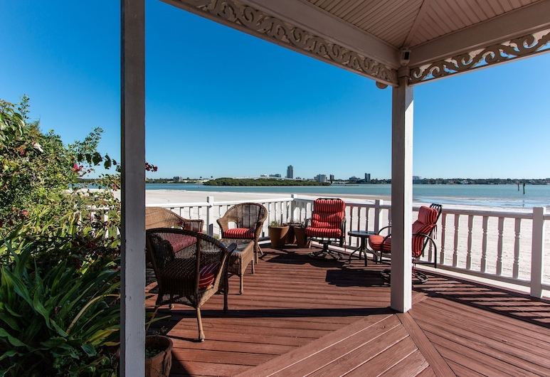 Coastal Treasure - Monthly Beachfront House 3 Bedroom Home, Clearwater Beach, Casa, 3 habitaciones, Balcón