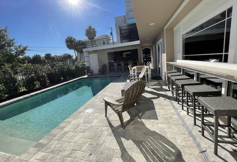 Forever Sunshine Ix - Weekly Beach Rental 9 Bedroom Apts, Clearwater Beach, Appartamento, camere multiple, Piscina
