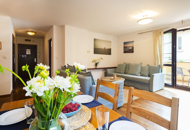 Apartment Tarifa - by the sea by Renters, Sopot, Apartment, 1 Bedroom, Balcony, Beachside, Living Room
