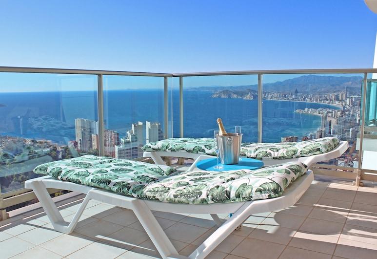 Benidorm High rise apartments, Benidorm, Family Apartment, Terrace, Ocean View, Balcony