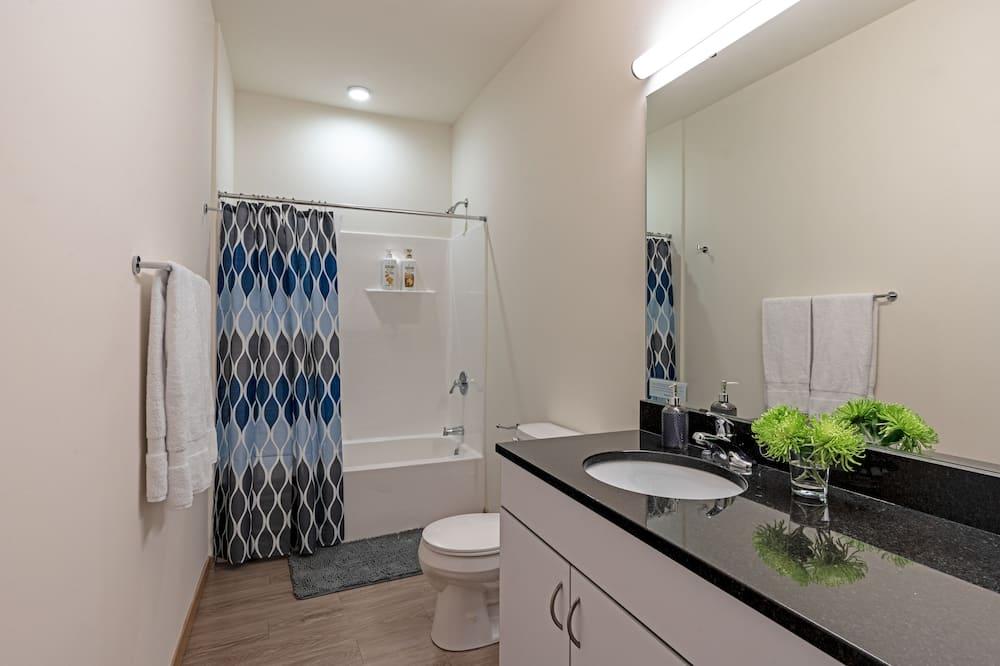 スタジオ クイーンベッド 1 台 - バスルーム