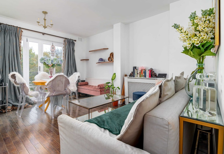 Guestready - Bright 2BR Home in West Kensington / Olympia, Sleeps 6, London, Living Room