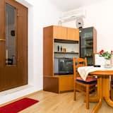 Íbúð (One-Bedroom Apartment) - Máltíð í herberginu