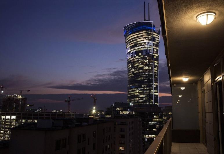 Platinum B Tower Master Corner Apartment 114sqm 14th Floor, Warsaw, Balcony