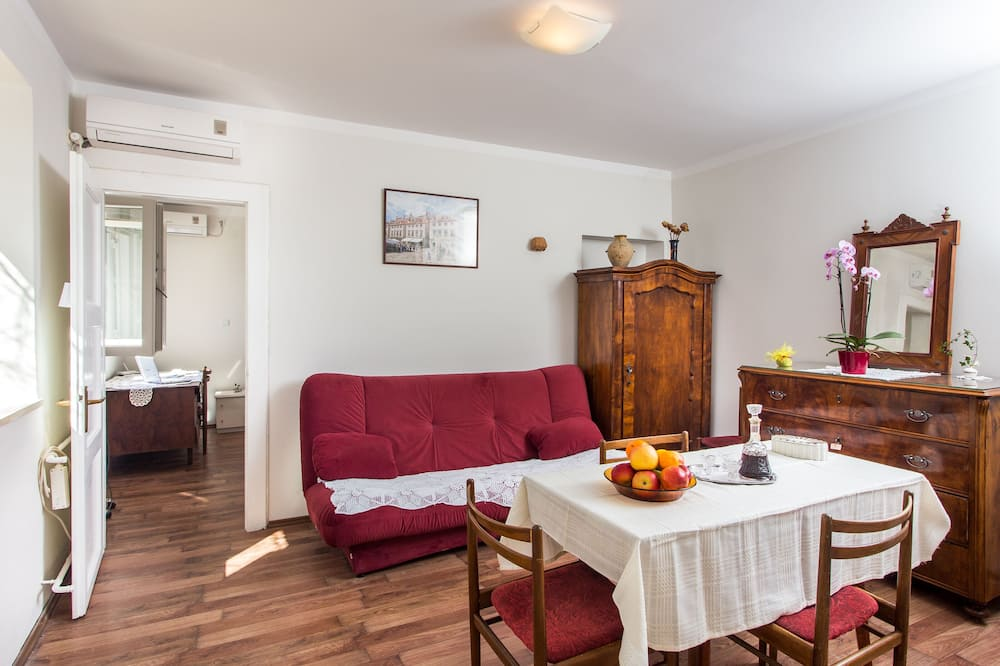 Appartement (One-Bedroom Apartment) - Woonkamer