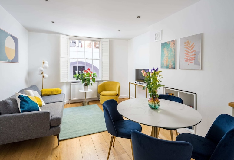 Chic & Modern 2-bed Flat w/ Patio in Pimlico, Central London, Londona, Interjers