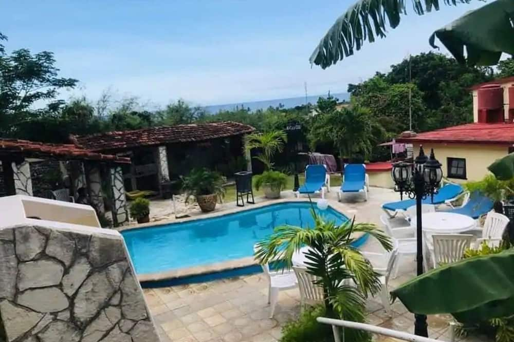 Residencia Los Reyes Guanabo
