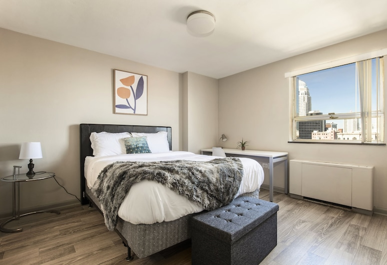 TWO Bright Sunny Apartment on 3rd Street Cozysuites, Louisville, Bahagian dalam