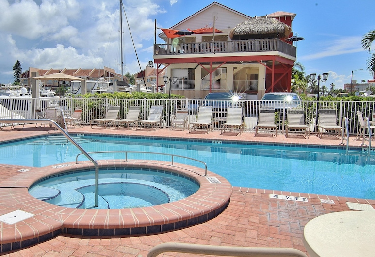 Madeira Bay Resort by Teeming Vacation Rentals, Madeira Beach, Tina de hidromasaje al aire libre