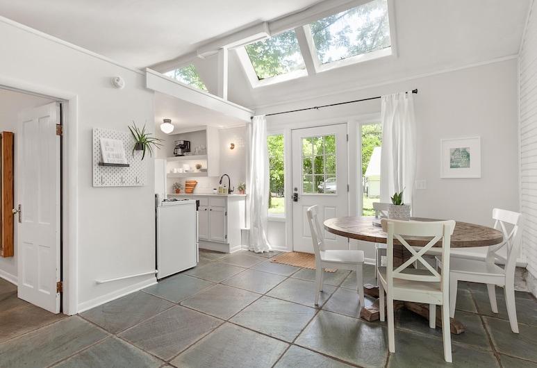 Greenhouse Cottage - Central Location, Fayetteville, Cozinha privada