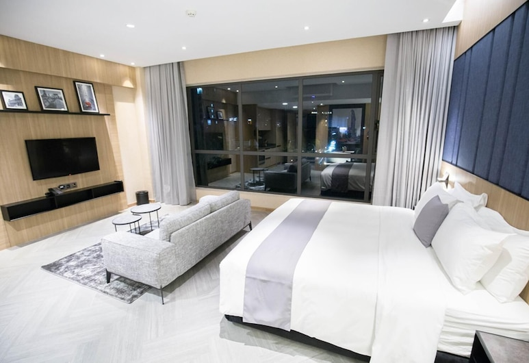 One Residence Hotel & Apartment, Пномпень, Вид из объекта