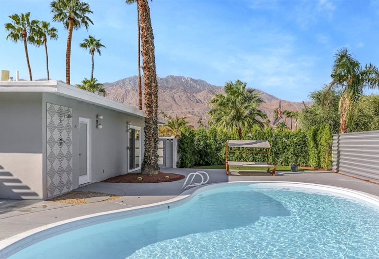 Farrell 2, Palm Springs, Domek, Bazén