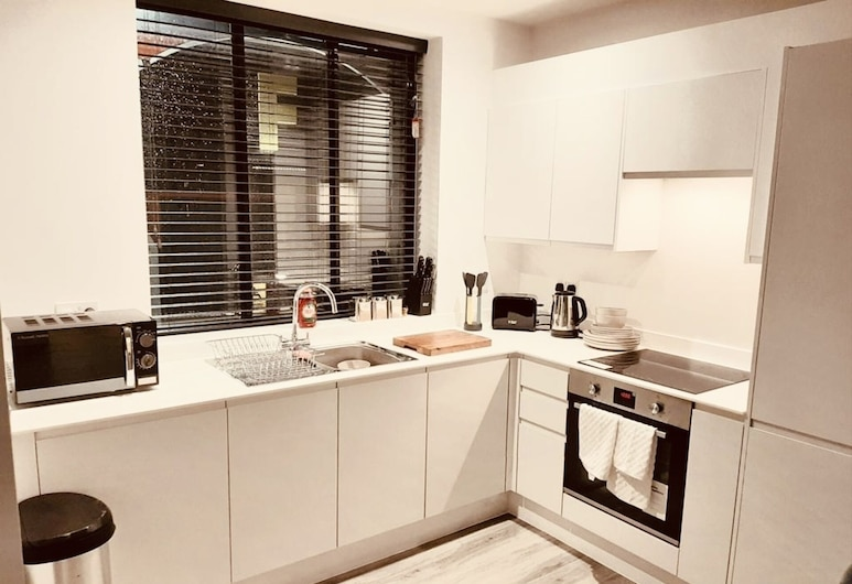 Immaculate 1-bed Apartment in Watford, Вотфорд, Апартаменти, 1 двоспальне ліжко, Приватна кухня