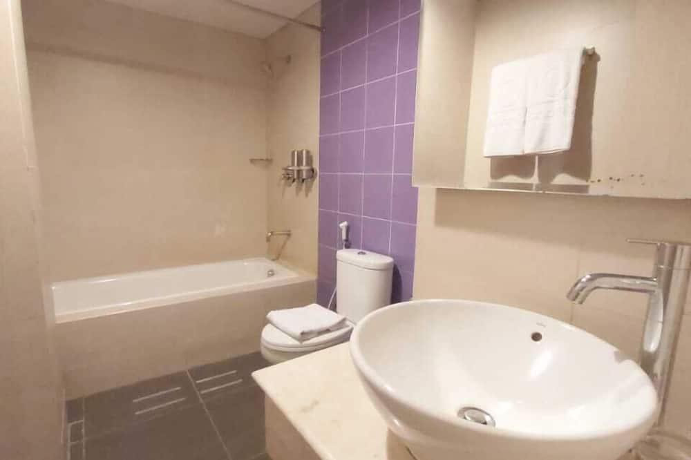 Deluxe Tek Büyük veya İki Ayrı Yataklı Oda - Banyo