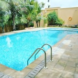 Luxury Apartment, 3 Bedrooms - Pool