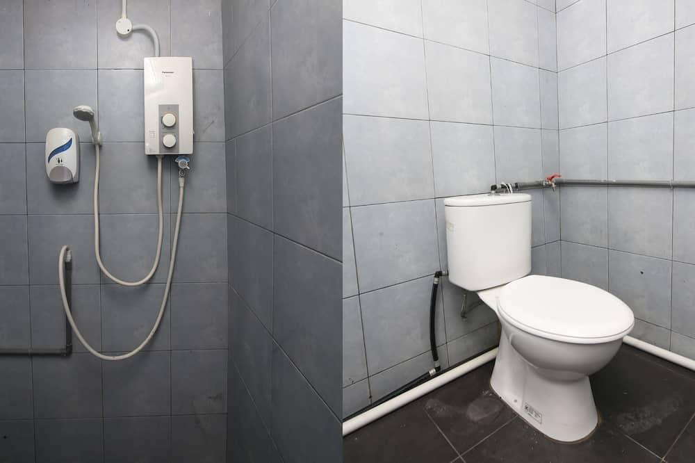 Phòng tập thể, Chỉ dành cho nam - Phòng tắm