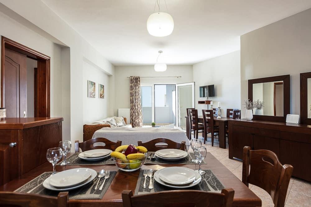 Apart Daire, 3 Yatak Odası, Havuz Manzaralı - Odada Yemek Servisi