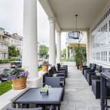 Star-Apart Hansa Hotel