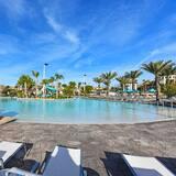 וילה (Champions Gate 8 Bedroom Resort Villa) - בריכה