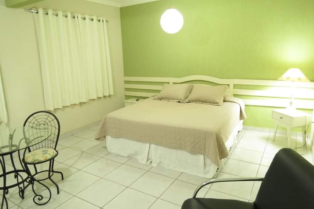 Deluxe Room, 1 Bedroom - Bathroom