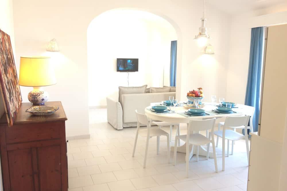 Vila, 3 spálne, terasa, výhľad na more - Obývačka