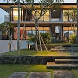 Super Luxury Beach Front Bali Villa With Pool