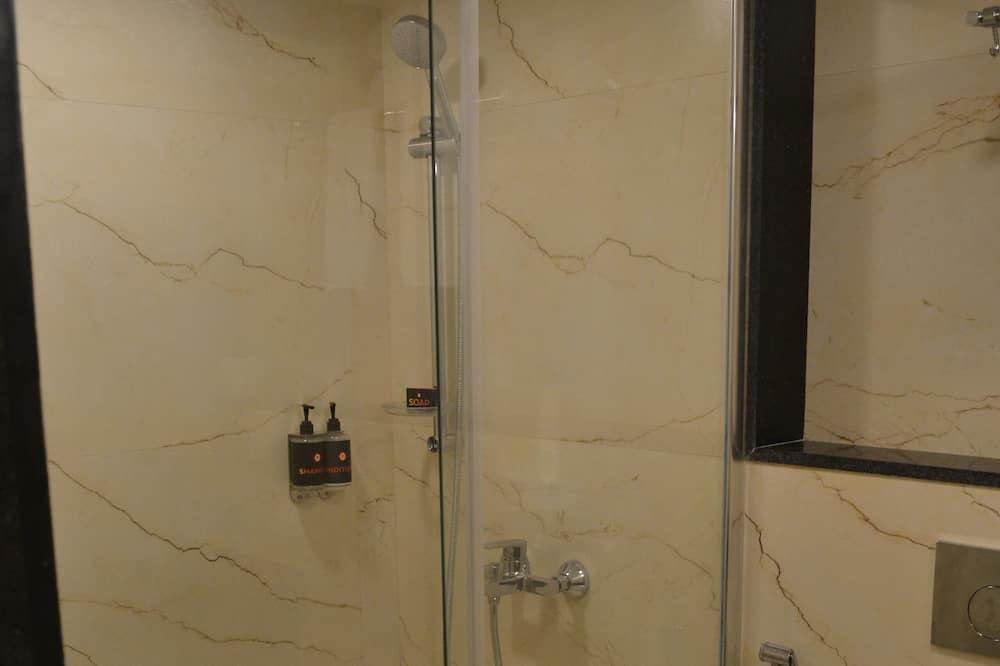 Luxe Double Room - Bathroom