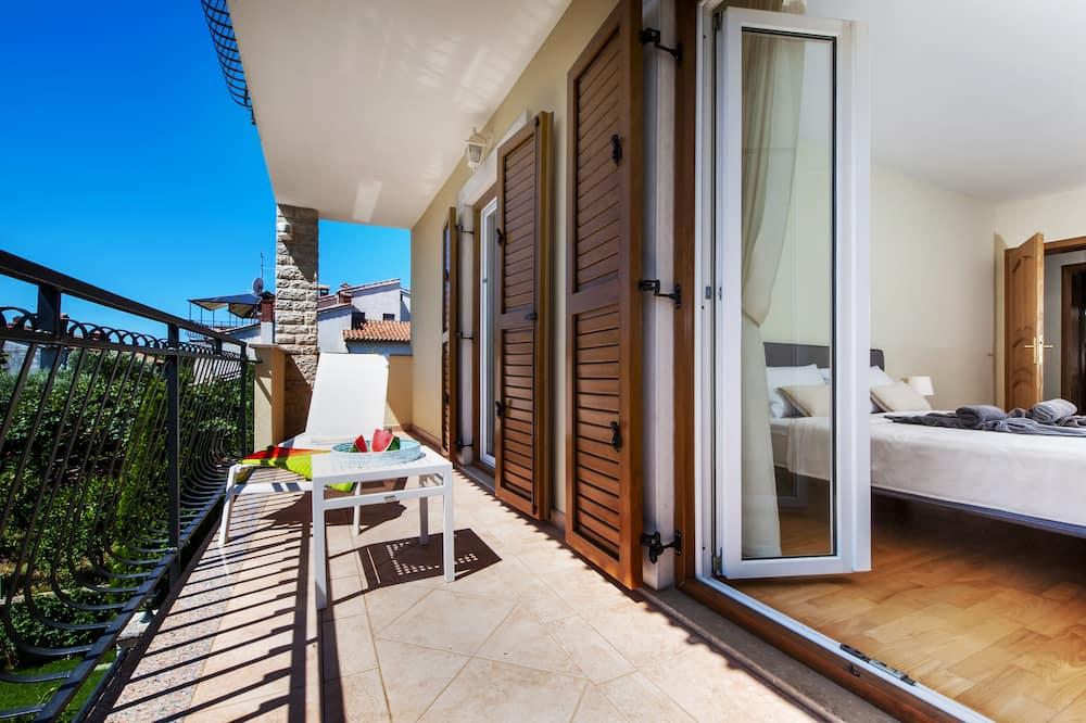 Deluxe Apartment, 4 Bedrooms, Terrace, Pool View - Balkoni