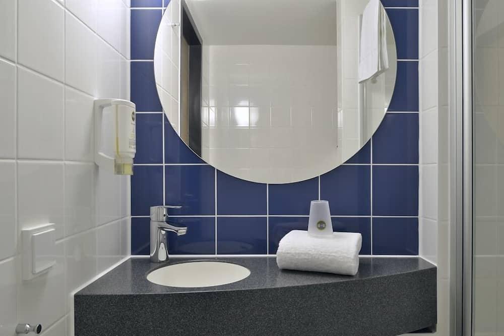 Dvojlôžková izba, fajčiarska izba - Kúpeľňa