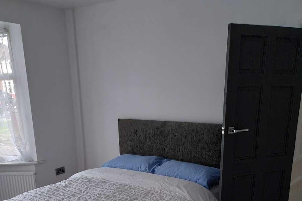 Māja, vairākas gultas - Numurs