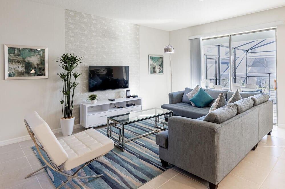 House, Multiple Beds (8912PRW-Windsor at Westside) - Living Room