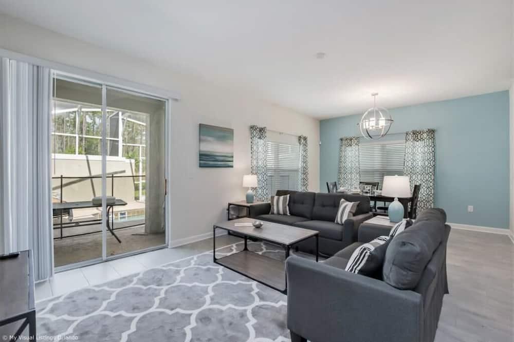 Condo, Multiple Beds (C780PBD - The Retreat at ChampionsGat) - Living Room