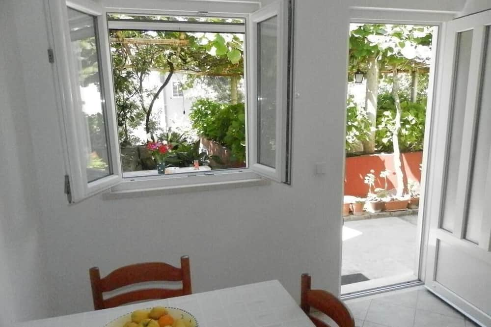 Apartment (One-Bedroom Apartment with Terrace-1 ) - In-Room Dining