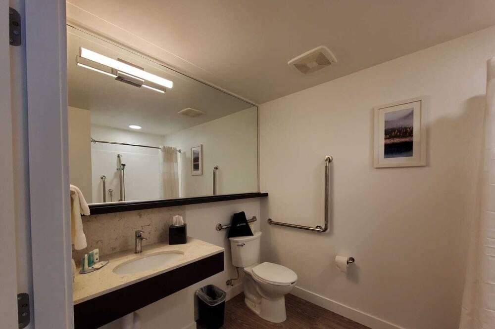 Huone, 1 keskisuuri parisänky, Tupakointi kielletty - Kylpyhuone
